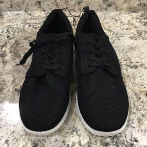 NWOT Soft Men Sneakers
